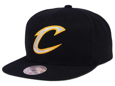 Cleveland Cavaliers Mitchell & Ness NBA Easy Hologram Snapback Cap