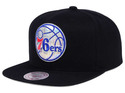 Philadelphia 76ers Mitchell & Ness NBA Easy Hologram Snapback Cap