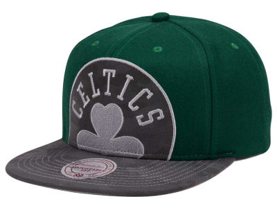 Boston Celtics Mitchell & Ness NBA Reflective Cropped Camo Snapback Cap