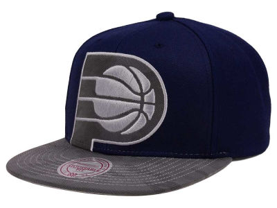 Indiana Pacers Mitchell & Ness NBA Reflective Cropped Camo Snapback Cap