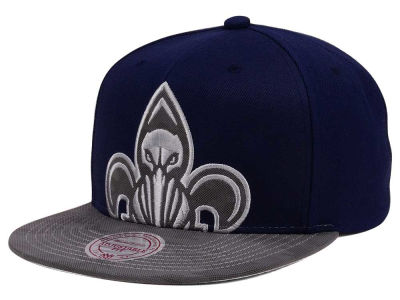New Orleans Pelicans Mitchell & Ness NBA Reflective Cropped Camo Snapback Cap