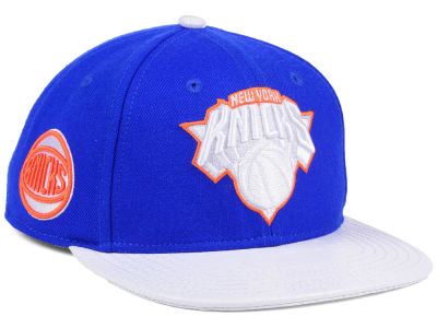 New York Knicks Pro Standard NBA Team White Strapback Cap