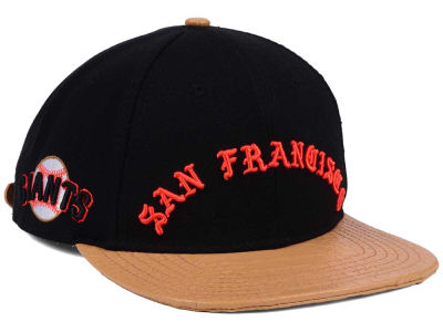 San Francisco Giants Pro Standard MLB Old English Strapback Cap
