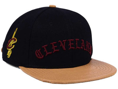 Cleveland Cavaliers Pro Standard NBA Old English Strapback Cap