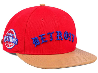Detroit Pistons Pro Standard NBA Old English Strapback Cap