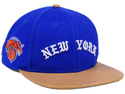 New York Knicks Pro Standard NBA Old English Strapback Cap