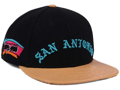 San Antonio Spurs Pro Standard NBA Old English Strapback Cap