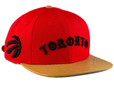 Toronto Raptors Pro Standard NBA Old English Strapback Cap