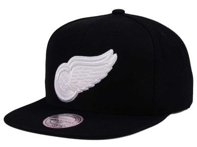 Detroit Red Wings adidas NHL Respect Snapback Cap