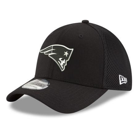 New England Patriots New Era NFL Black & White Neo 39THIRTY Cap