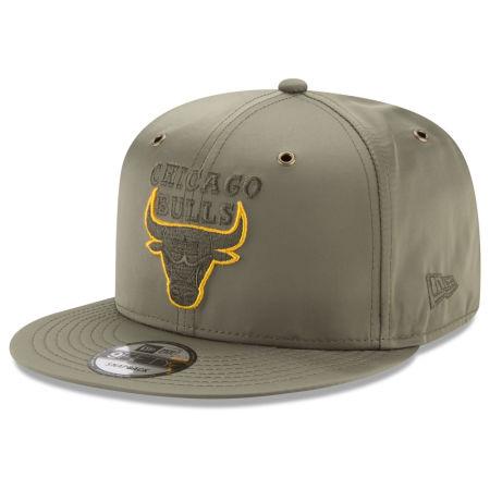 Chicago Bulls New Era NBA Full Satin 9FIFTY Snapback Cap