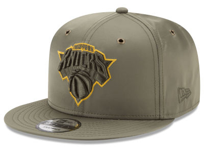 New York Knicks New Era NBA Full Satin 9FIFTY Snapback Cap