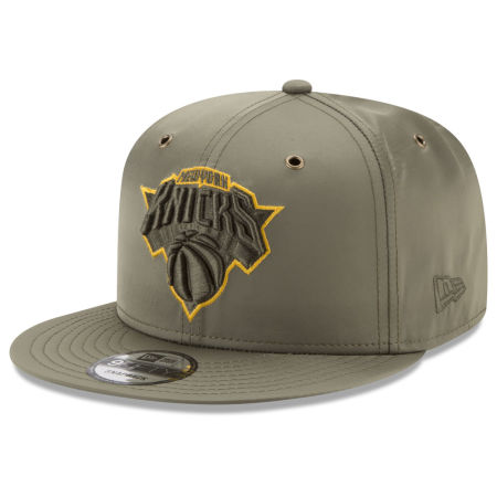New York Knicks New Era NBA Full Satin 9FIFTY Snapback Cap