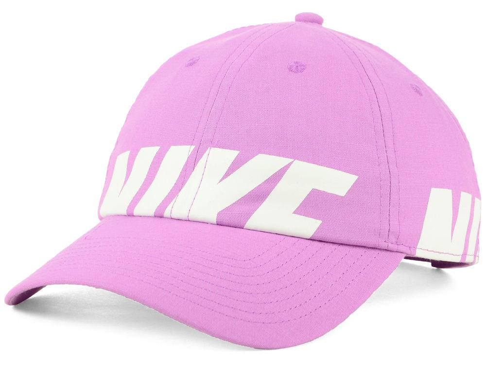 Nike Women s Heritage Big Futura Cap  177e05bb4