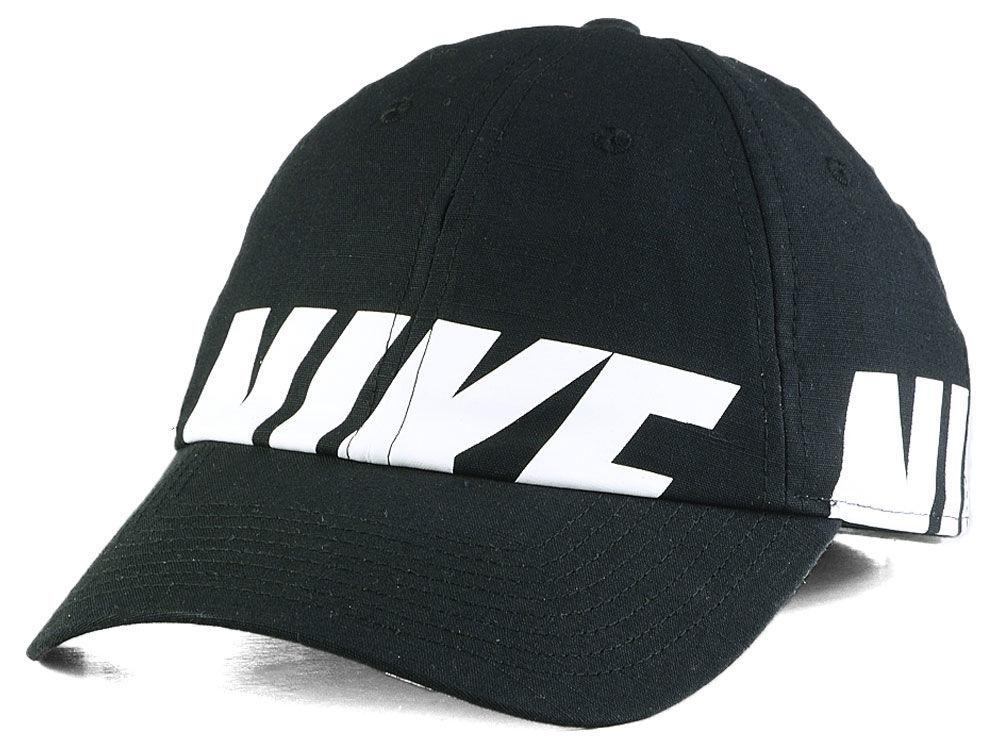 Nike Women s Heritage Big Futura Cap  4aa084ebfad9