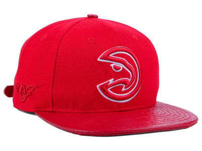 Atlanta Hawks Pro Standard NBA Red on Red Strapback Cap