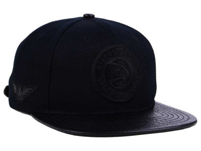 Atlanta Hawks Pro Standard NBA Black on Black Strapback Cap