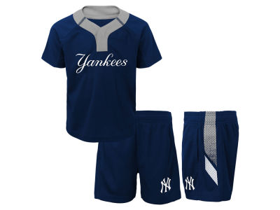 New York Yankees Majestic MLB Infant Ground Rules Short Set