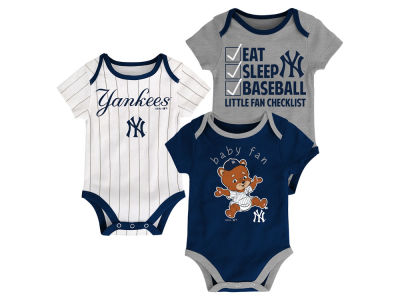 New York Yankees Majestic MLB Newborn Play Ball 3 Piece Set