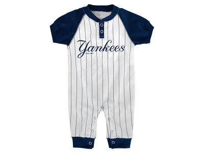 New York Yankees Outerstuff MLB Newborn Gametime Coverall