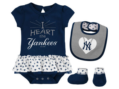 New York Yankees MLB Newborn Girls Bib & Booty Set