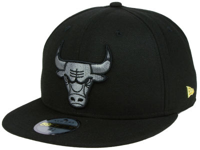 Chicago Bulls New Era NBA Black Label Essential 59FIFTY Cap