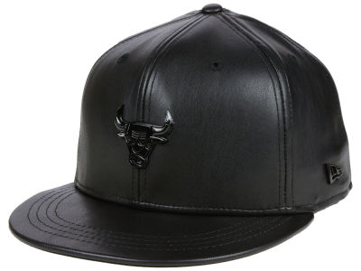 Chicago Bulls New Era NBA Black List Glossy Metal 9FIFTY Snapback Cap
