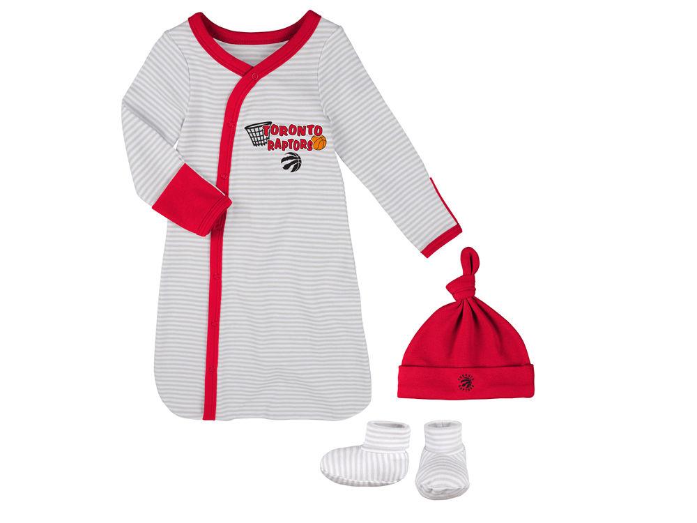 Toronto Raptors Outerstuff NBA Newborn Gown, Hat, Bootie Set | lids.ca