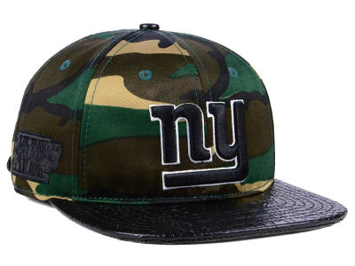 New York Giants Pro Standard NFL Woodland Strapback Cap