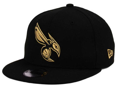 Charlotte Hornets New Era NBA Youth Black on Gold 9FIFTY Snapback Cap