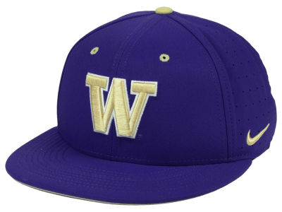 Washington Huskies Nike NCAA Aerobill True Fitted Baseball Cap