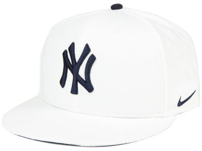 New York Yankees Nike MLB White Ripstop Snapback Cap