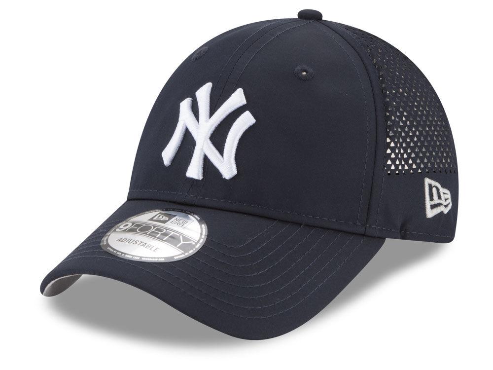 New York Yankees New Era MLB Performance Pivot 9FORTY Cap  5635289eda2d