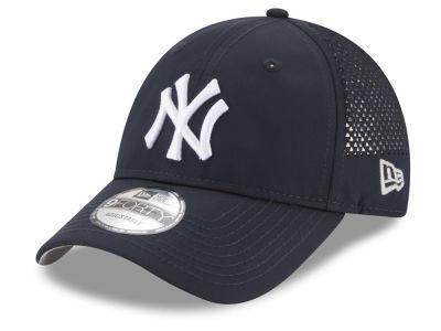 New York Yankees New Era MLB Performance Pivot 9FORTY Cap ace72467dfc