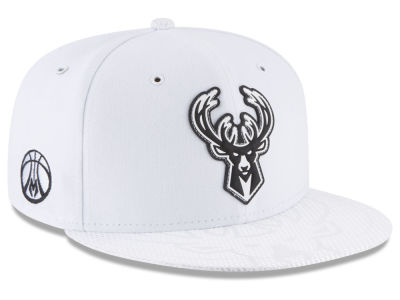 Milwaukee Bucks New Era NBA Back 1/2 Series 9FIFTY Snapback Cap
