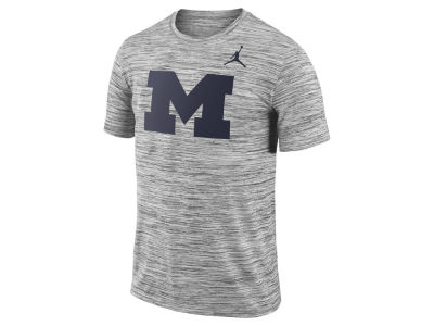 Michigan Wolverines Nike NCAA Men's Legend Travel T-shirt