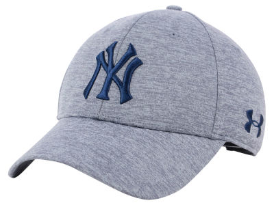 New York Yankees Under Armour MLB Twist Closer Cap 1eb00ed3bb6