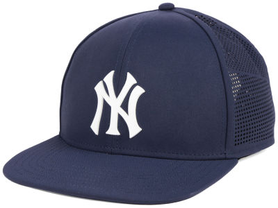 New York Yankees Under Armour MLB Supervent Cap