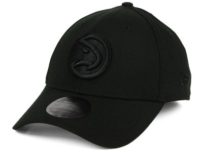 Atlanta Hawks New Era NBA Blackout 39THIRTY Cap