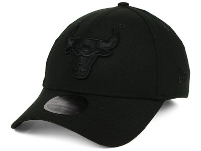 Chicago Bulls New Era NBA Blackout 39THIRTY Cap