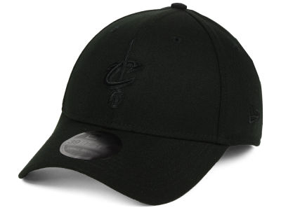 Cleveland Cavaliers New Era NBA Blackout 39THIRTY Cap