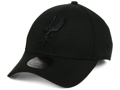 San Antonio Spurs New Era NBA Blackout 39THIRTY Cap