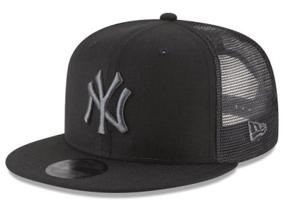 New York Yankees New Era MLB Blackout Mesh 9FIFTY Snapback Cap