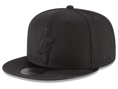 Cleveland Cavaliers New Era NBA Blackout Satin 9FIFTY Snapback Cap