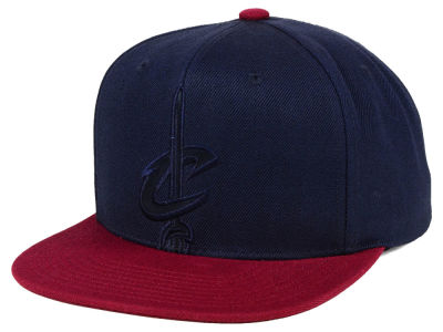 Cleveland Cavaliers Mitchell & Ness NBA Cropped Satin Snapback Cap