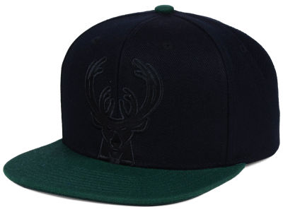 Milwaukee Bucks Mitchell & Ness NBA Cropped Satin Snapback Cap