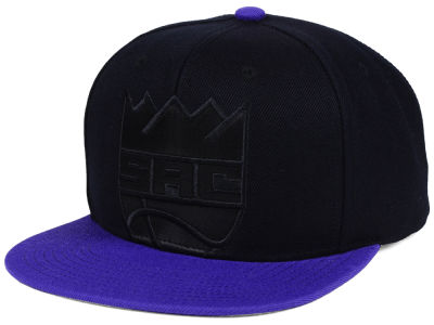 Sacramento Kings Mitchell & Ness NBA Cropped Satin Snapback Cap