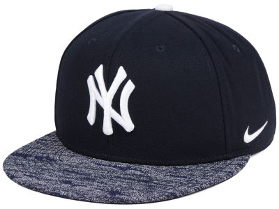 New York Yankees Nike MLB Reverse New Day Snapback Cap