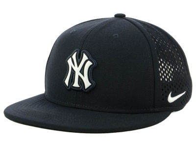 first rate 30fae b5400 New York Yankees Nike MLB Aerobill Snapback Cap