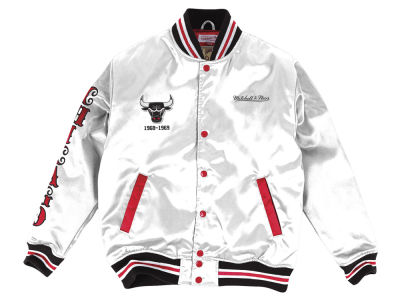 Chicago Bulls Mitchell & Ness NBA Men's Satin Jacket